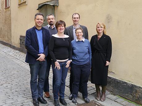 Utvärderingsgruppen: fr.v. Ian Cousins, Jonathan Martin, Dorte Herzke, Magnus Land, Cynthia de Wit, Jana Johansson. Bilden är tagen vid gruppens första möte i april 2014. Foto: Sif Johansson.